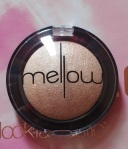 Mellow Baked Eye Shadow in Cream