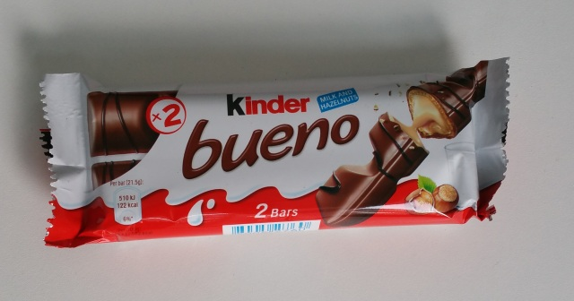 Kinder Bueno Chocolate Bars.jpg