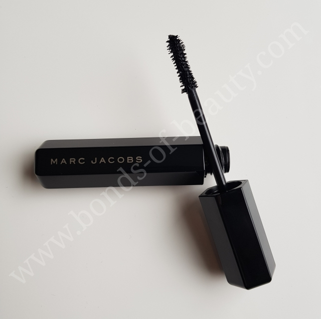 Marc Jacobs Beauty Velvet Noir Major Volume Mascara 3_20171105175140251
