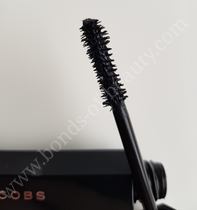 Marc Jacobs Beauty Velvet Noir Major Volume Mascara 4_20171105175203122