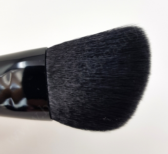 Yves Saint Laurent Contouring Brush 3_20180702132941831