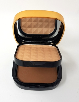 Luxe Bronze & Sculpt Contour Kit in LightMedium 2_20181012130138997