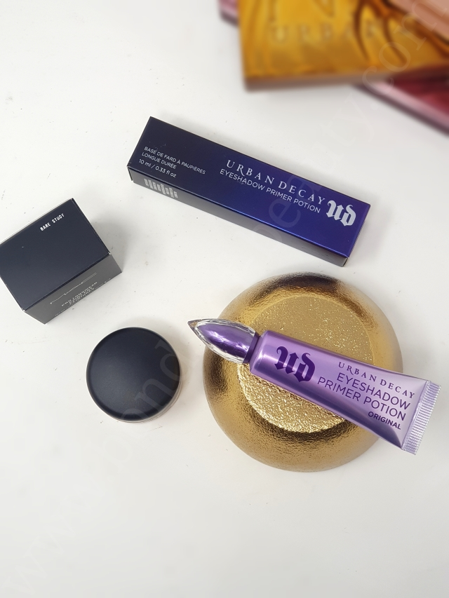 Urban Decay Eyeshadow Primer Potion vs MAC Paint Pot 4